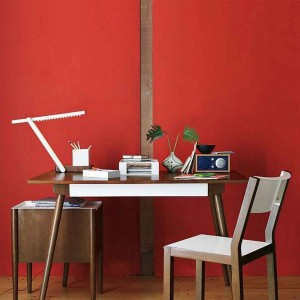 alluring-red-wall-paint-is-good-color-for-home-office-with-vintage-wooden-finished-office-furniture-feat-simple-stylish-table-lamp-ideas-good-colors-for-home-office-interior-design-home-decoration-sel