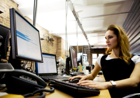 シリコンバレーはまだまだ男の世界?女性エンジニアを増やすためには